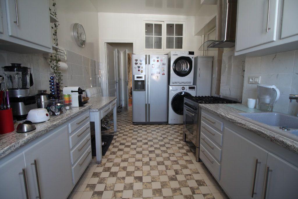 Appartement à vendre 7 230m2 à Nice vignette-6