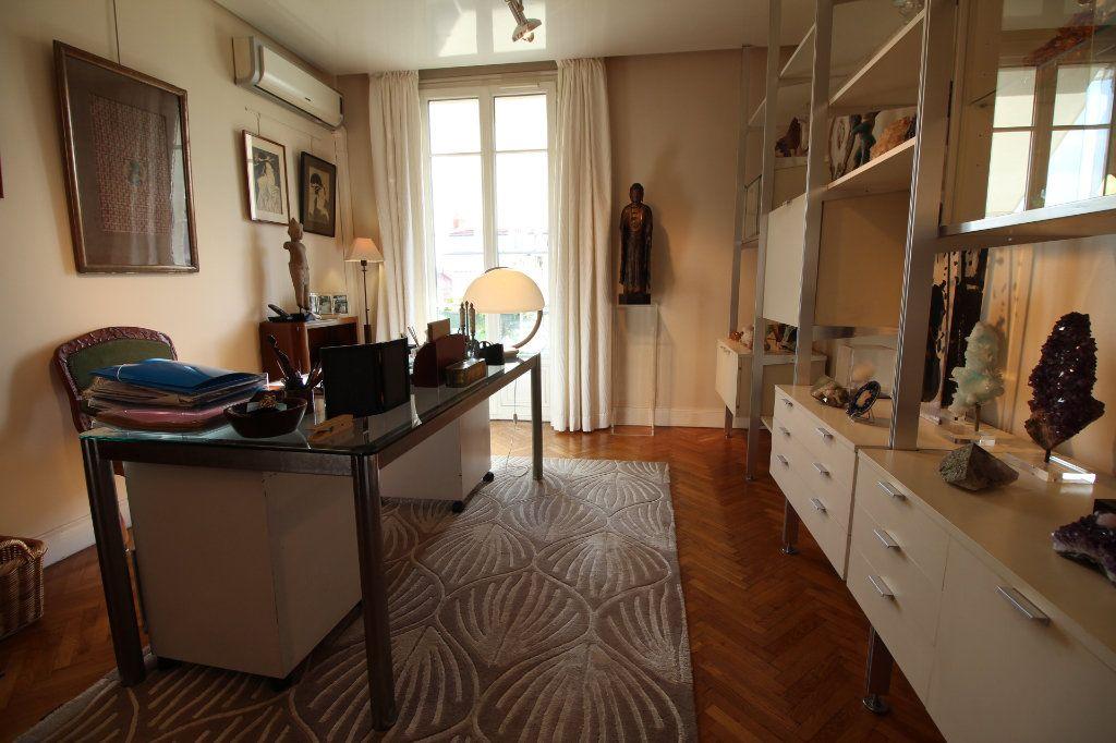 Appartement à vendre 7 230m2 à Nice vignette-10