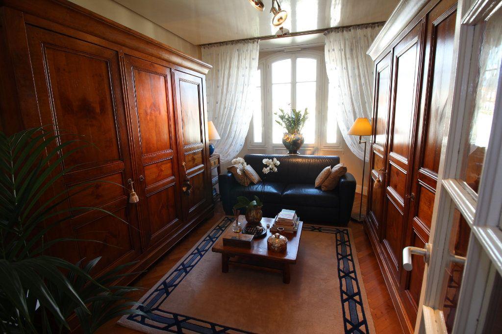 Appartement à vendre 7 230m2 à Nice vignette-11
