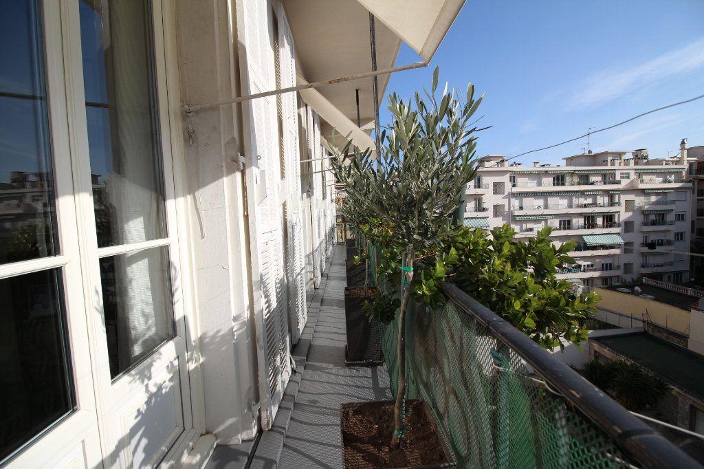 Appartement à vendre 7 230m2 à Nice vignette-16