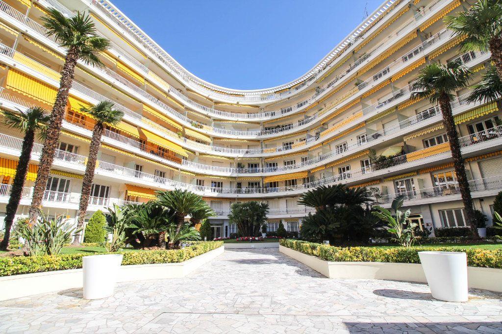 Appartement à vendre 3 58m2 à Nice vignette-1