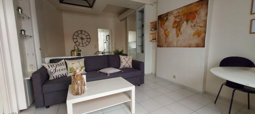Appartement à louer 2 44m2 à Nice vignette-2
