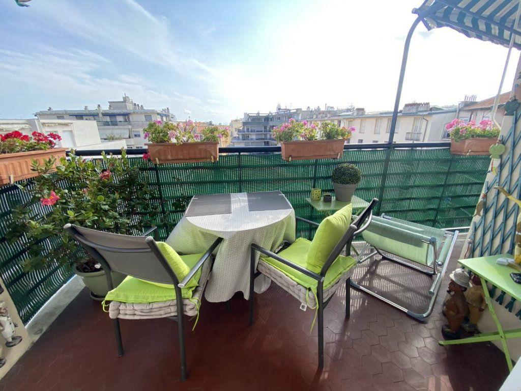 Appartement à vendre 3 70.69m2 à Nice vignette-1