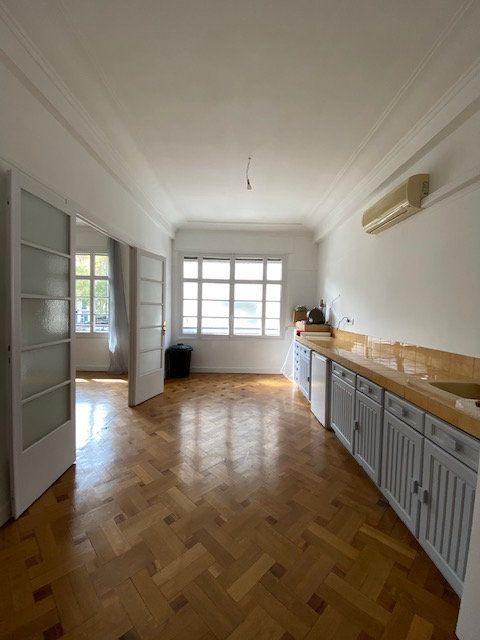 Appartement à louer 5 116m2 à Nice vignette-5