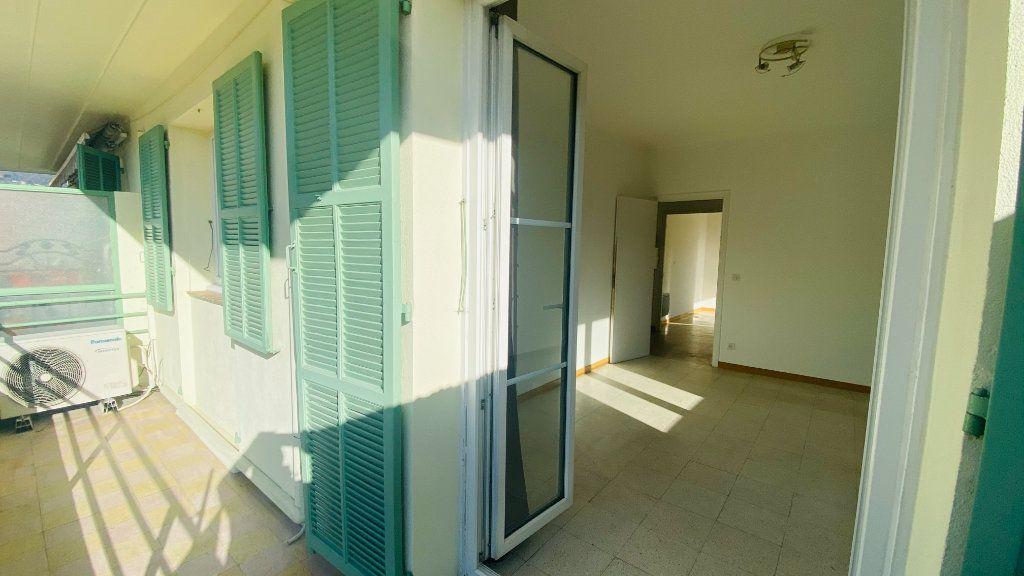 Appartement à vendre 2 54m2 à Contes vignette-2