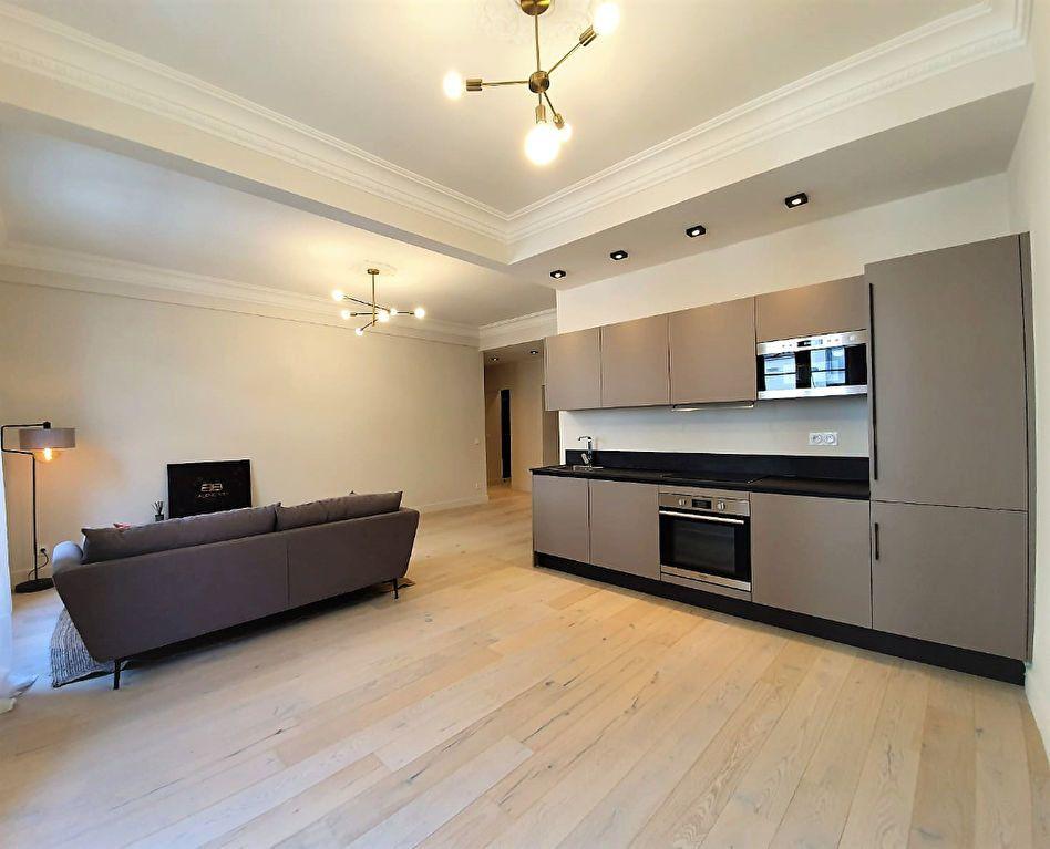 Appartement à vendre 3 77.44m2 à Nice vignette-1