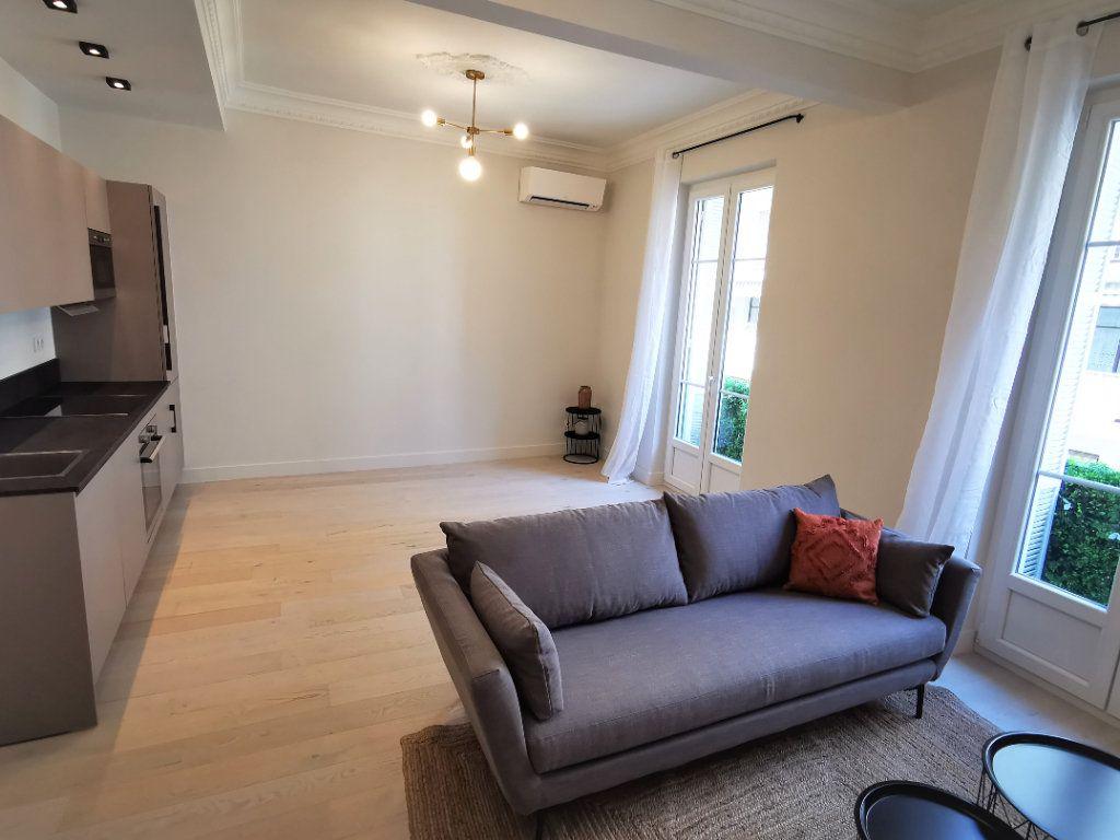 Appartement à vendre 3 77.44m2 à Nice vignette-2