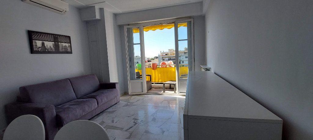 Appartement à louer 1 32m2 à Nice vignette-2