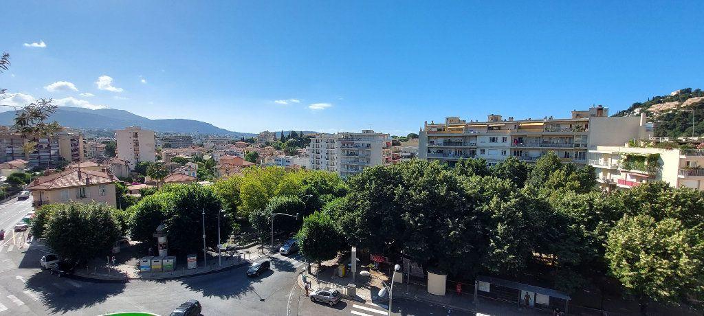 Appartement à louer 1 32m2 à Nice vignette-3