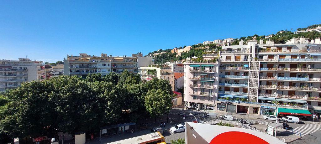 Appartement à louer 1 32m2 à Nice vignette-7