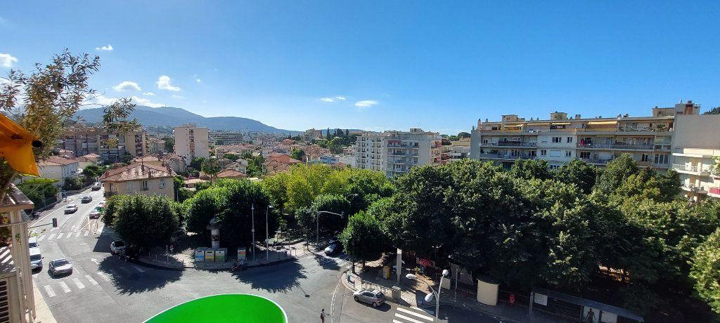 Appartement à louer 1 32m2 à Nice vignette-8