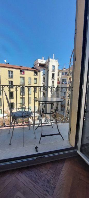 Appartement à louer 2 70m2 à Nice vignette-3