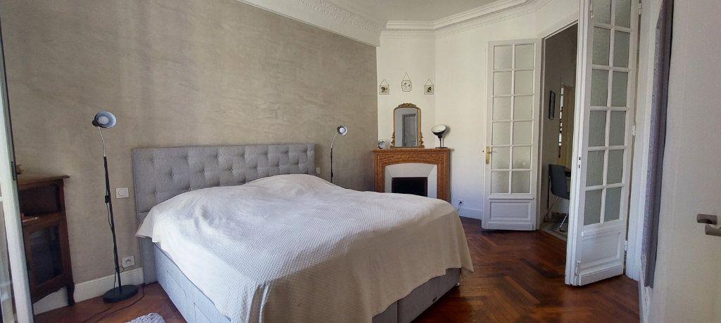 Appartement à louer 2 70m2 à Nice vignette-9