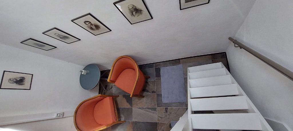 Appartement à louer 2 70m2 à Nice vignette-13