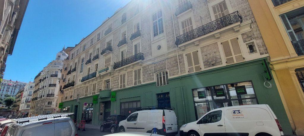 Appartement à louer 1 23m2 à Nice vignette-5