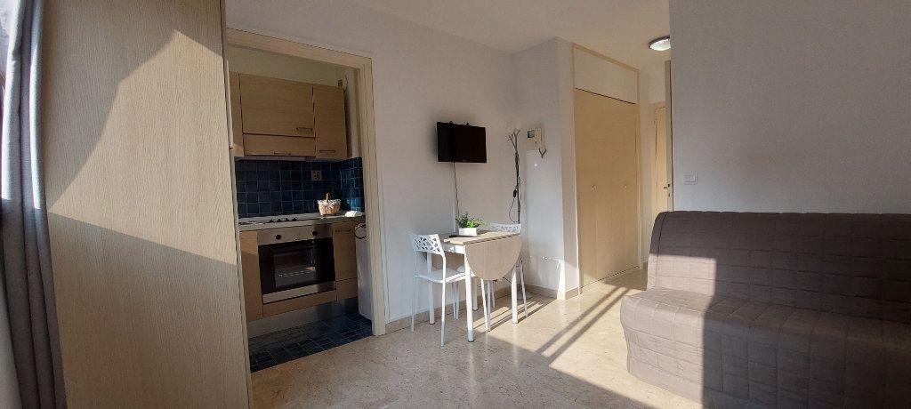 Appartement à louer 1 20m2 à Nice vignette-2