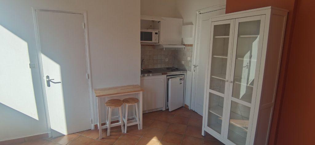 Appartement à louer 1 15.86m2 à Nice vignette-3