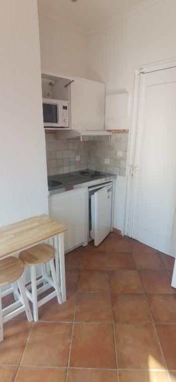 Appartement à louer 1 15.86m2 à Nice vignette-5