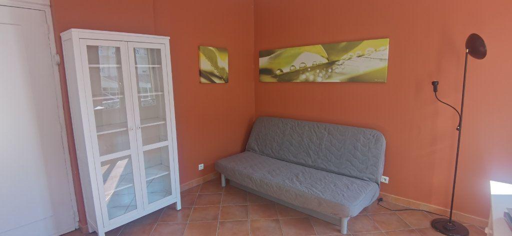 Appartement à louer 1 15.86m2 à Nice vignette-7