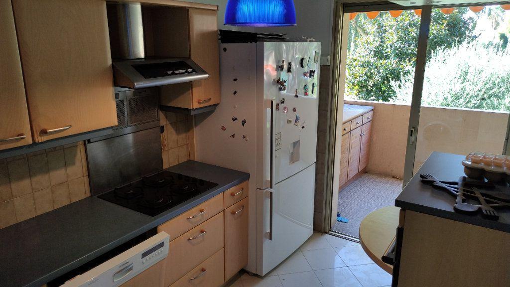 Appartement à louer 4 86m2 à Saint-Laurent-du-Var vignette-8