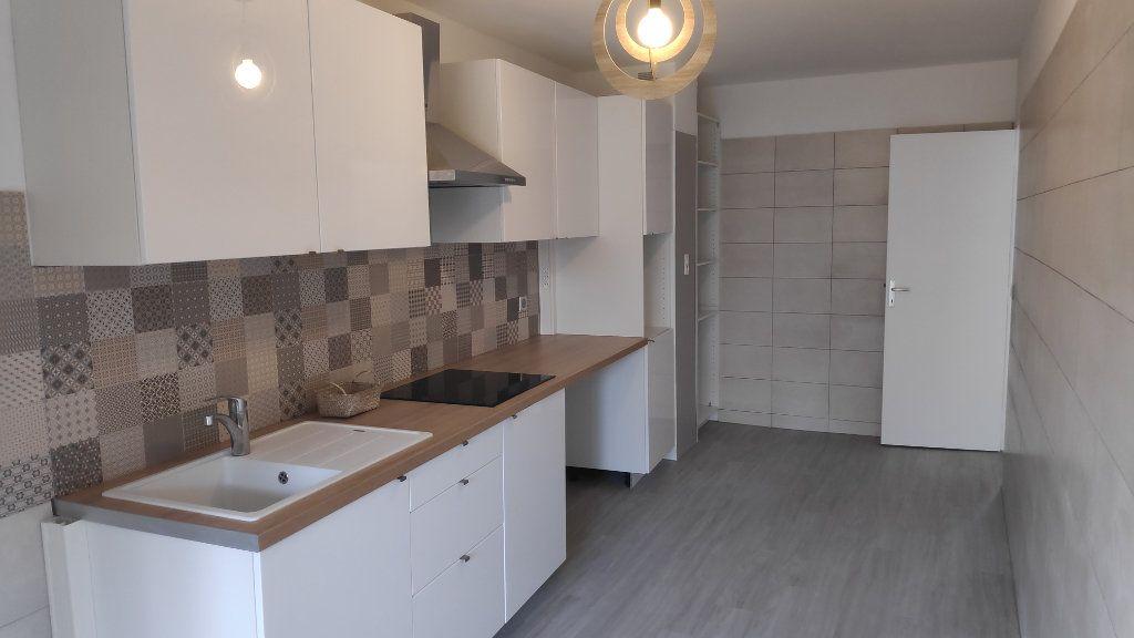 Appartement à louer 4 92m2 à Cagnes-sur-Mer vignette-2