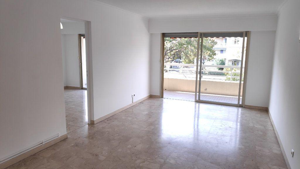 Appartement à louer 4 92m2 à Cagnes-sur-Mer vignette-3