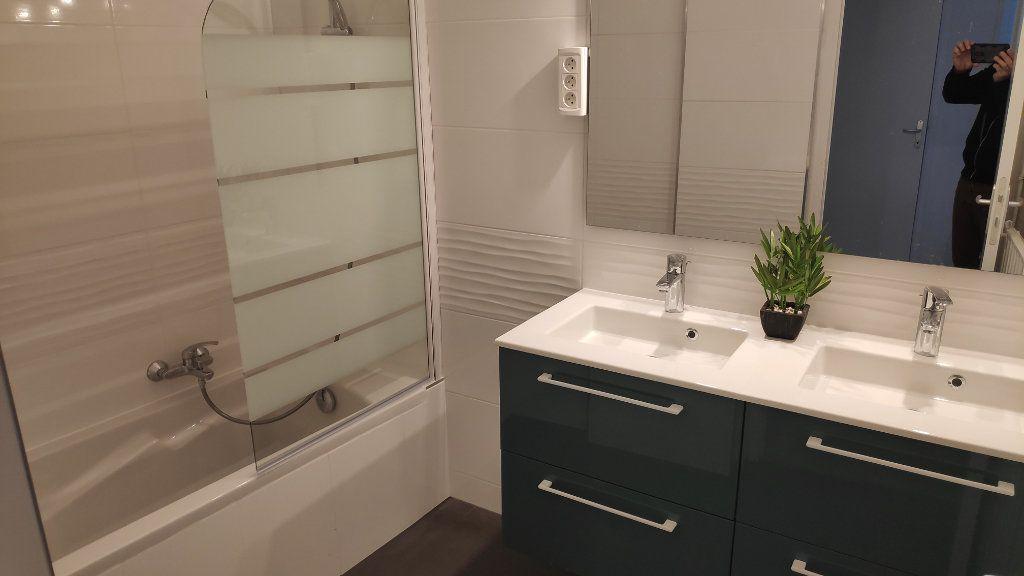 Appartement à louer 4 92m2 à Cagnes-sur-Mer vignette-5
