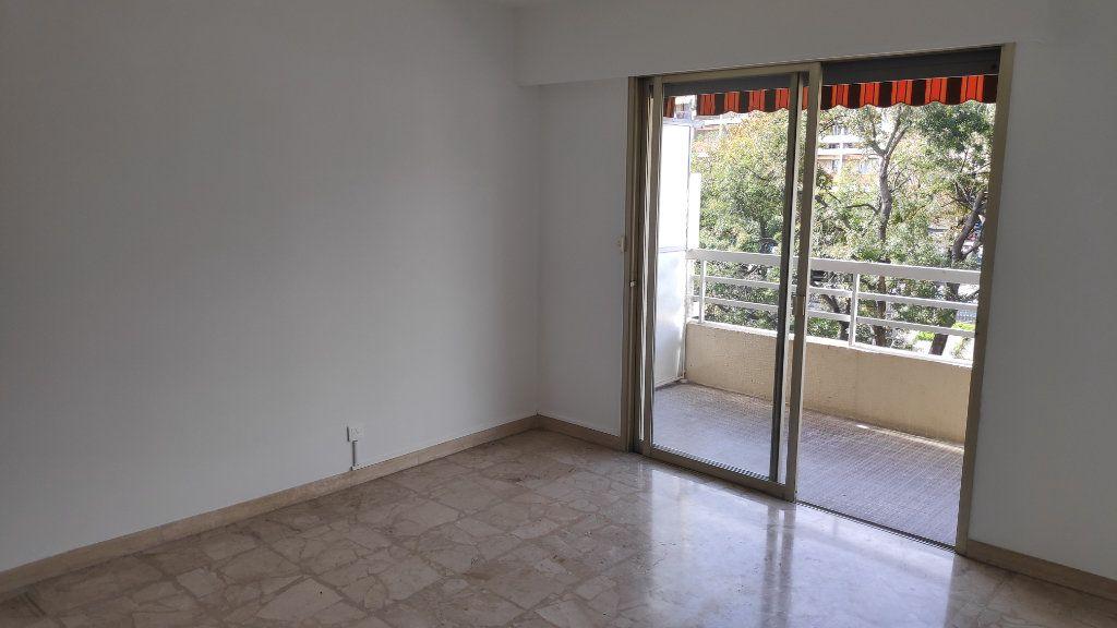 Appartement à louer 4 92m2 à Cagnes-sur-Mer vignette-7