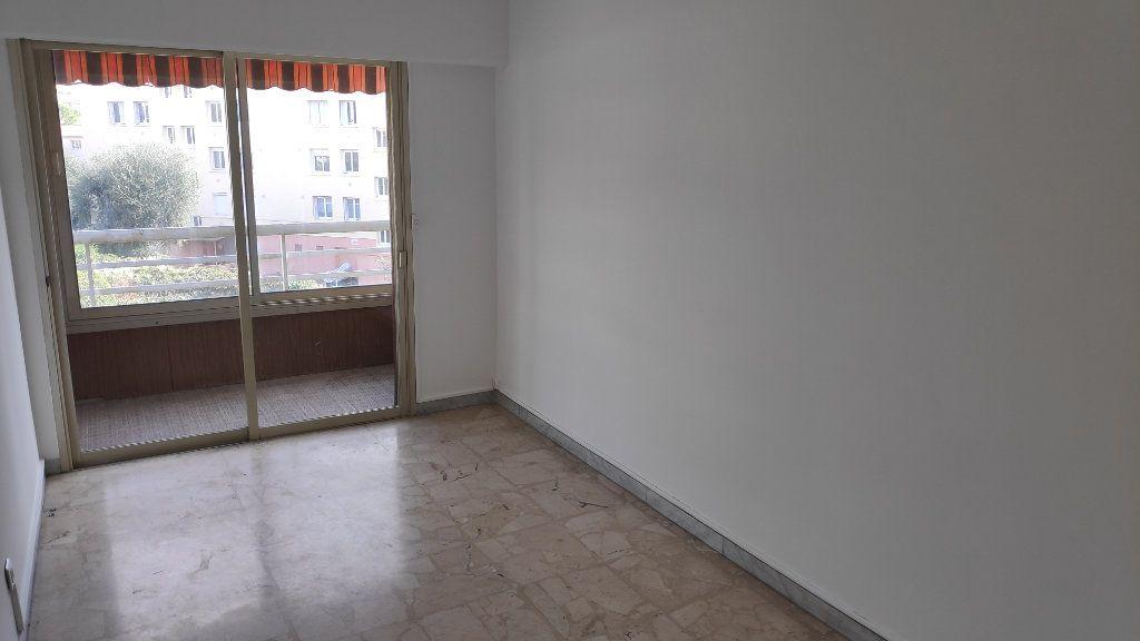 Appartement à louer 4 92m2 à Cagnes-sur-Mer vignette-8