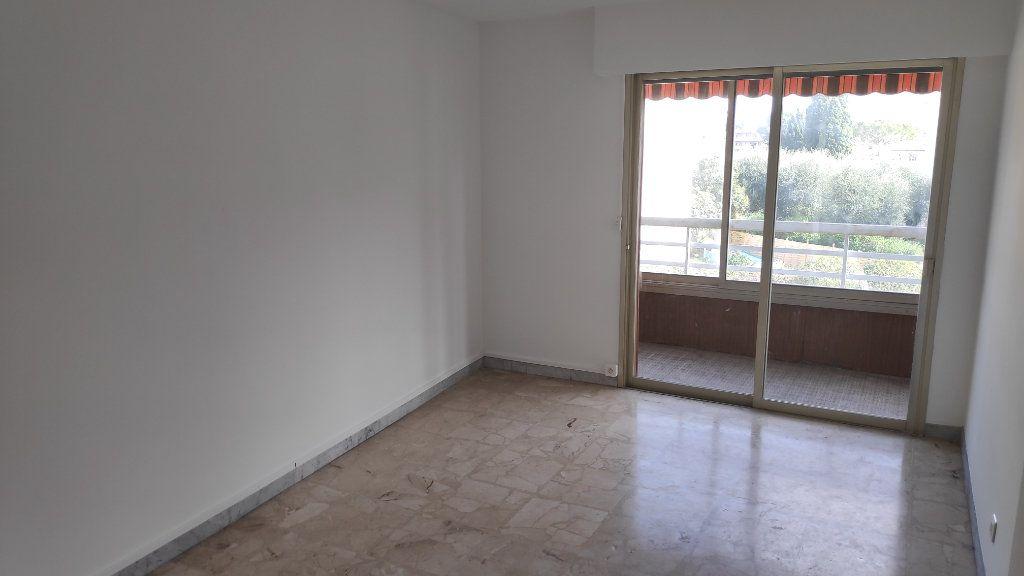 Appartement à louer 4 92m2 à Cagnes-sur-Mer vignette-9