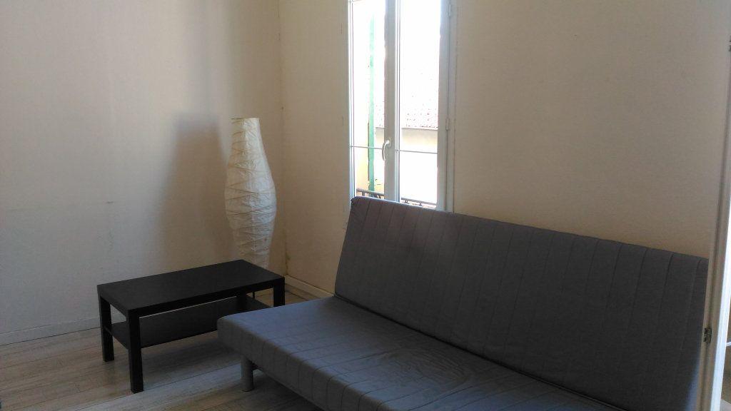 Appartement à louer 1 17m2 à Nice vignette-2