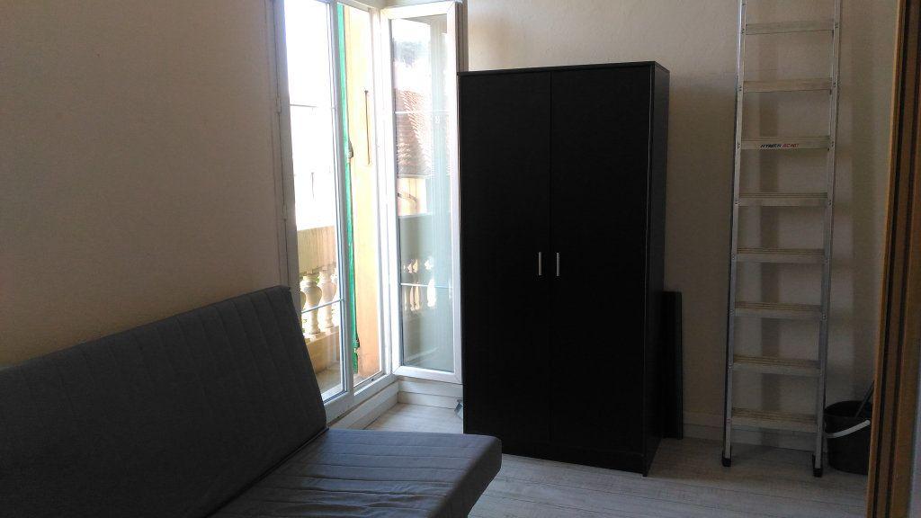 Appartement à louer 1 17m2 à Nice vignette-3