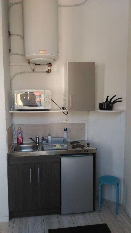 Appartement à louer 1 17m2 à Nice vignette-4