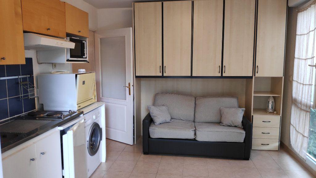 Appartement à louer 1 20m2 à Cagnes-sur-Mer vignette-3