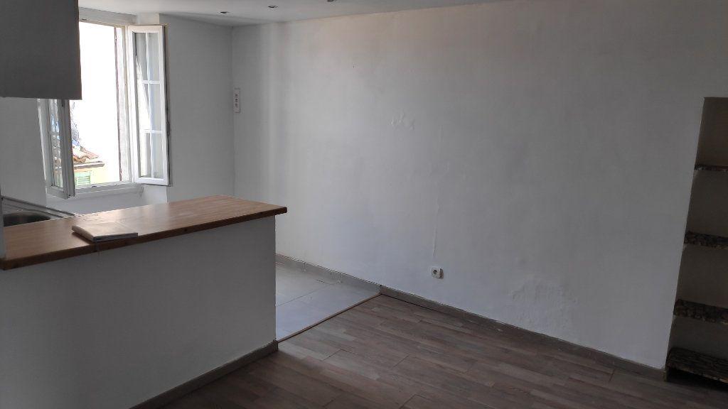 Appartement à louer 1 25m2 à Gattières vignette-2
