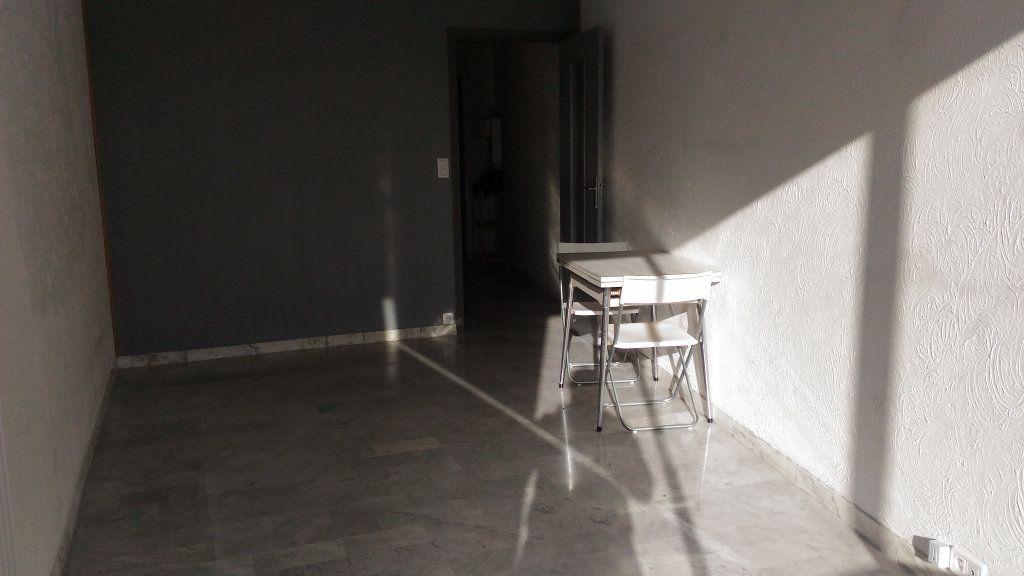 Appartement à louer 1 33m2 à Cagnes-sur-Mer vignette-2