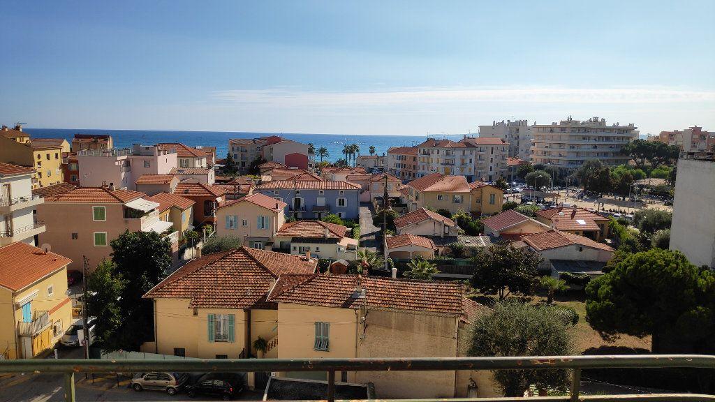Appartement à louer 2 60m2 à Cagnes-sur-Mer vignette-1