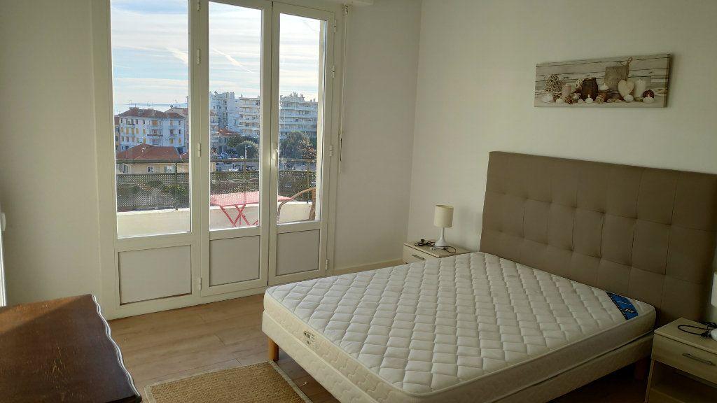 Appartement à louer 2 60m2 à Cagnes-sur-Mer vignette-2
