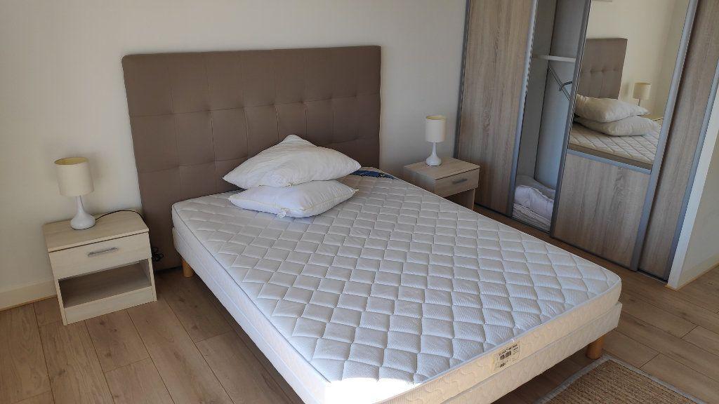 Appartement à louer 2 60m2 à Cagnes-sur-Mer vignette-4