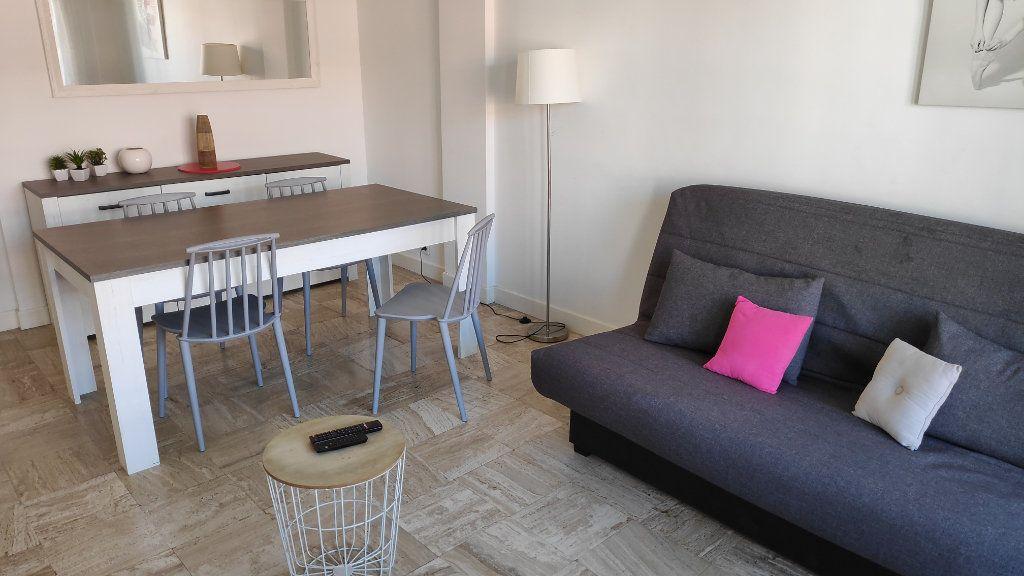 Appartement à louer 2 60m2 à Cagnes-sur-Mer vignette-6