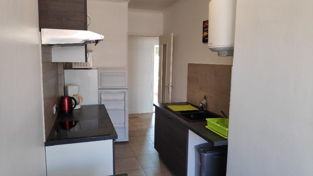 Appartement à louer 2 60m2 à Cagnes-sur-Mer vignette-7