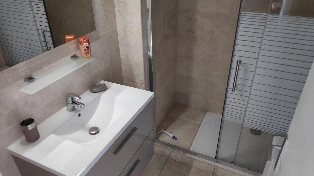 Appartement à louer 2 60m2 à Cagnes-sur-Mer vignette-8