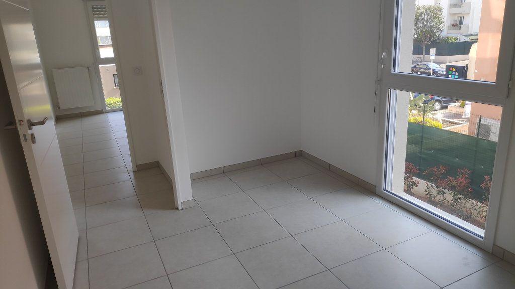 Appartement à louer 3 56m2 à Saint-Laurent-du-Var vignette-6