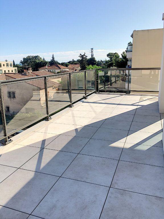 Appartement à vendre 3 71.9m2 à Saint-Laurent-du-Var vignette-3
