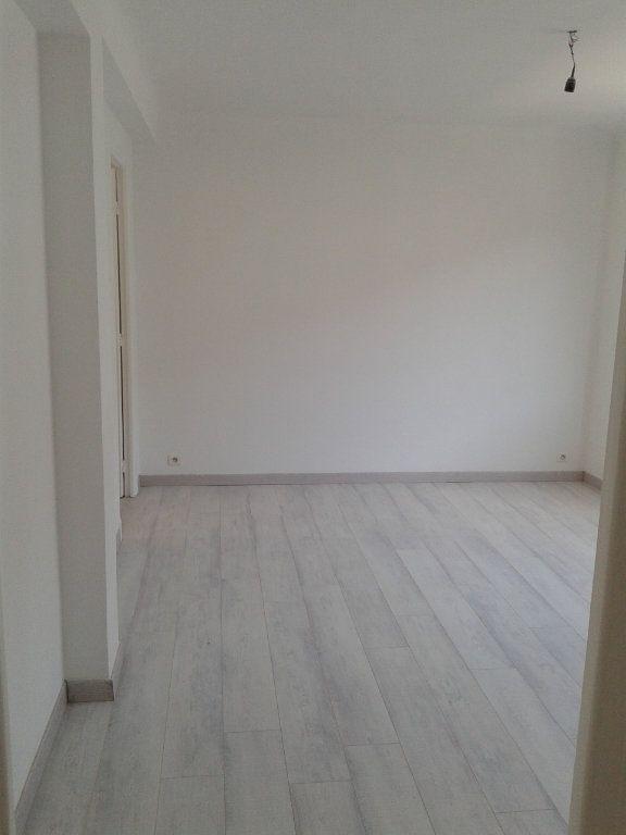 Appartement à vendre 3 54m2 à Nice vignette-3
