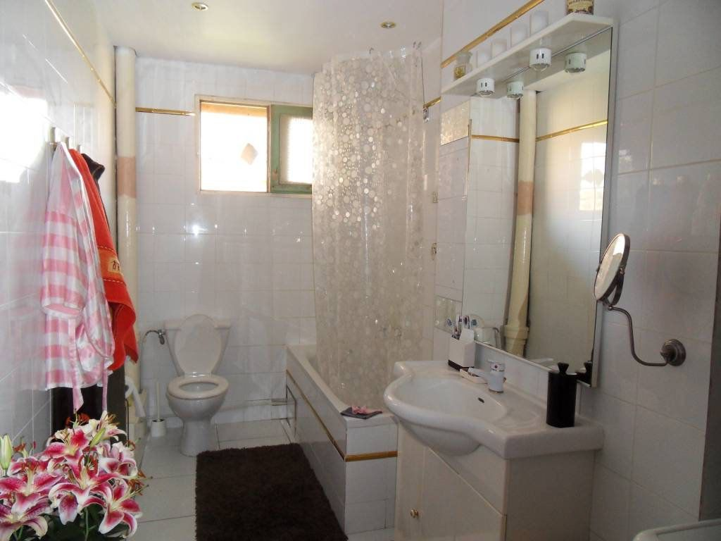 Appartement à vendre 3 70.08m2 à Saint-Laurent-du-Var vignette-3