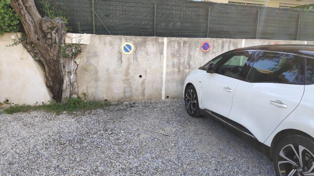 Stationnement à louer 0 10m2 à Cagnes-sur-Mer vignette-1