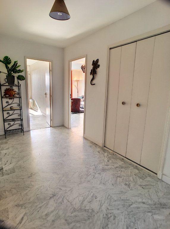 Appartement à vendre 4 87m2 à Cagnes-sur-Mer vignette-9