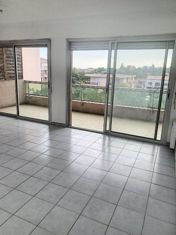 Appartement à vendre 2 47m2 à Cagnes-sur-Mer vignette-1