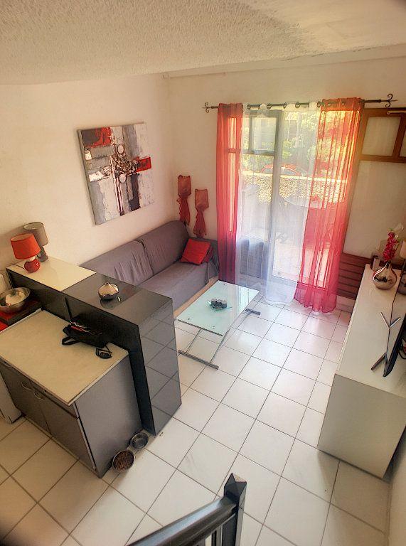 Appartement à vendre 2 30m2 à Villeneuve-Loubet vignette-1